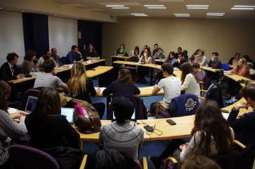 """في محاضره لرئيس""""عـــدل"""" بجامعة السوربون:  انتهاكات الحريات بلغت حد مخيف"""