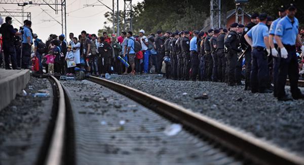 بين الأمن والإنسانية :مأساة اللاجئين أحد أعراض أزمة سياسية أوسع وأعمق