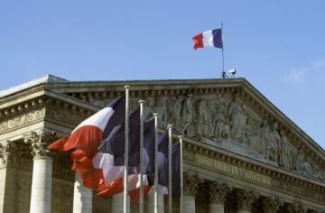 فرنسا: تدين الهجوم على دار المسنين بعدن وتجدد تأكيدها بضرورة الحل السياسي باليمن