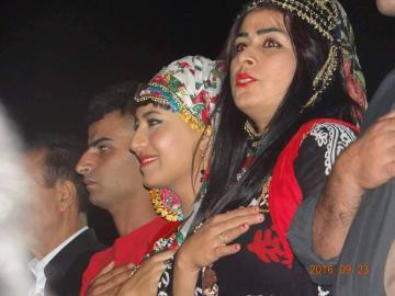 الجويني تشارك برسالة السلام بمهرجان التنوع الثقافي بكردستان وتمنح شهادة تكريم