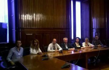 البرلمان الكتالاني يحتضن فعالية مؤتمر السلام لليمن ومطالبات بوقف فوري للحرب وتشكيل لجنة تحقيق
