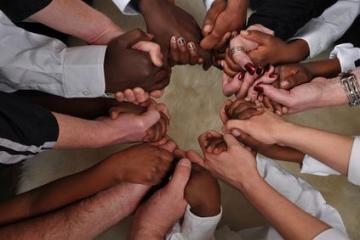 في اليوم العالمى للقضاء على التمييز.. العنصرية مازالت تغزل خيوطها حول العالم