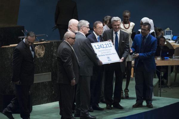عريضة مع اللاجئين تتجاوز المليون توقيع وتتسلمها الأمم المتحدة في نيويورك