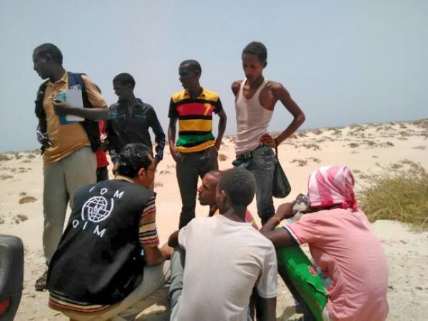 للمرة الثانية.. غرق مهاجرين أفارقة بعد إجبارهم على القفز من القوارب قبالة سواحل اليمن