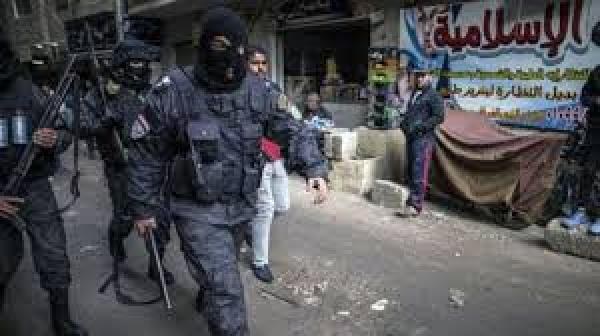 مصر: اختفاء وتعذيب المئات وسط موجة من القمع للحريات