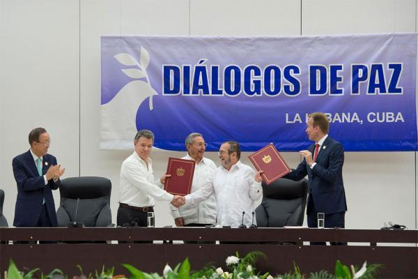 Nous allons défendre avec la Colombie, qui cherche à construire son avenir dans la paix