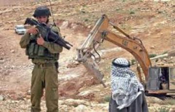 Condamnant la colonie israélienne de la résolution des Nations unies Ajkova..almtalob pression sur eux et de les arrêter quand il est seul